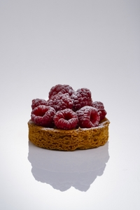 Photographe culinaire paris tartelette framboises convention